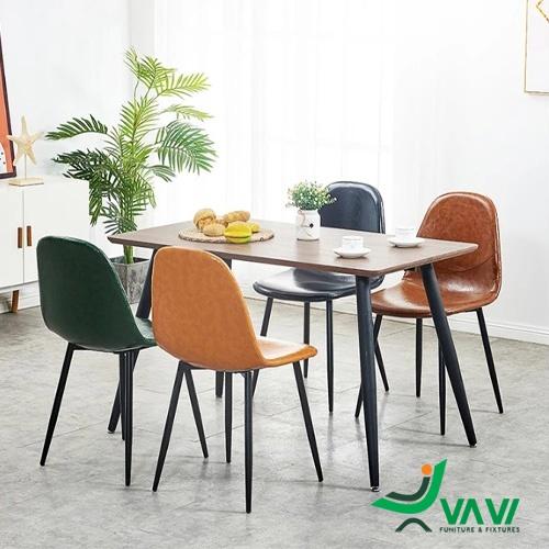 Bộ bàn ăn 4 ghế da cổ điển sang trọng