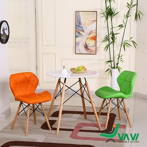 Bộ bàn ghế Eames lưng nệm tam giác