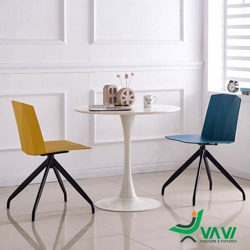 Bộ bàn hai ghế nhựa tựa lưng chân sắt