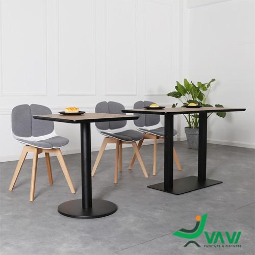 Ghế cafe nhựa chân gỗ hiện đại