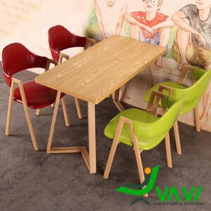 Bàn ăn mặt gỗ phủ PVC chân thép sơn giả gỗ hiện đại