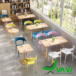 mẫu bàn ăn mặt gỗ phủ PVC chân thép sơn giả gỗ hiện đại