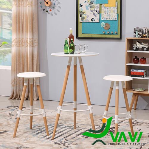 bàn bar cafe mặt tròn 3 chân gỗ hiện đại